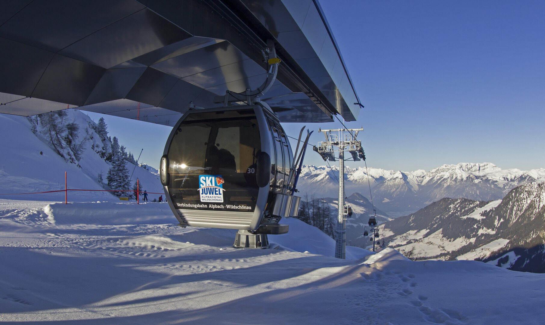 """Die Skigebiete Alpbach und Wildschönau haben sich 2012 mit der sogenannten Verbindungsbahn zum """"Ski Juwel"""" zusammengeschlossen. © Alpbacher Bergbahnen"""