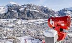 """DEMACLENKO als """"Official Supplier der Hahnenkamm-Rennen"""" liefert Schneeerzeuger im Spezialdesign"""