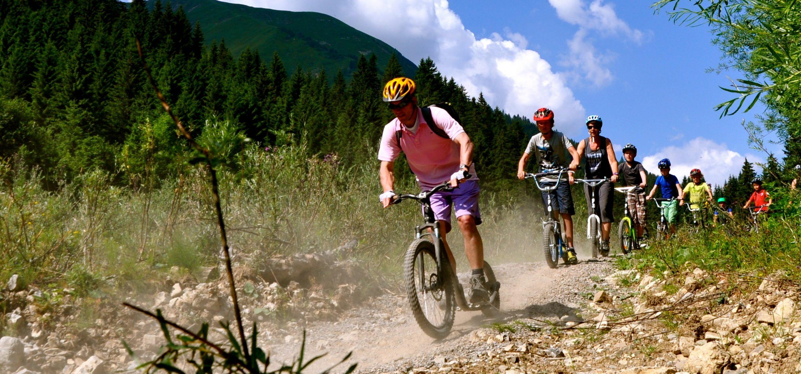 Im Sommer locken Bergroller-Touren.